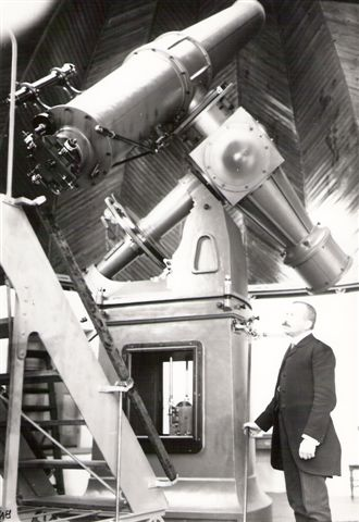 Eginites at Dorides telescope (c. 1910)