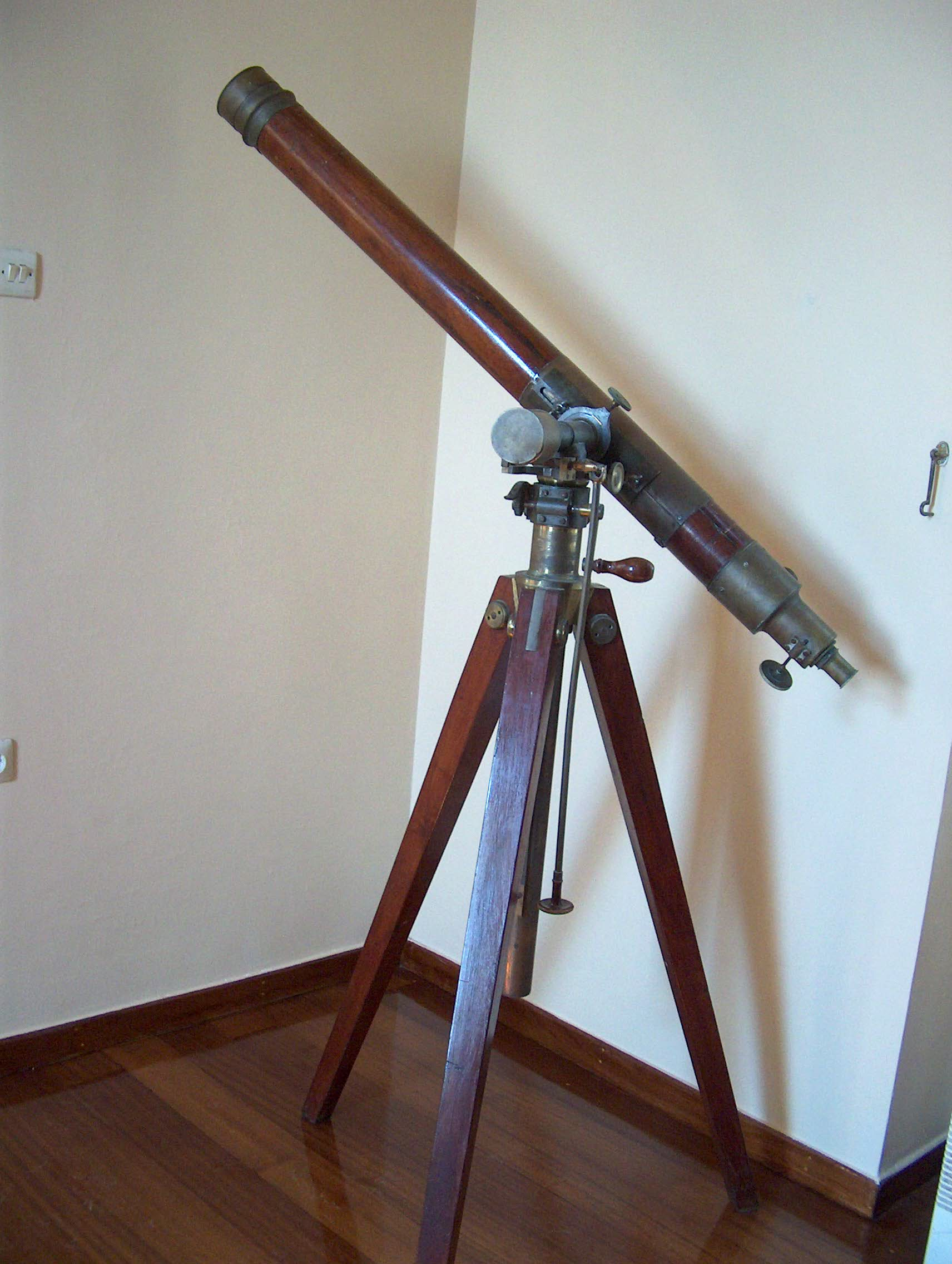 Refracting Telescope The Hellenic Archives Of Scientific
